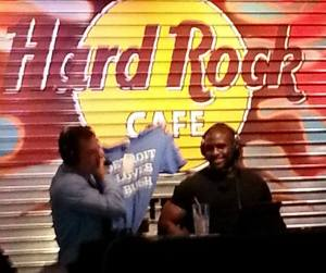 97.1 The Ticket's Dan Miller gives Reggie Bush his own Detroit Loves Bush tee. Both gents were big fans!