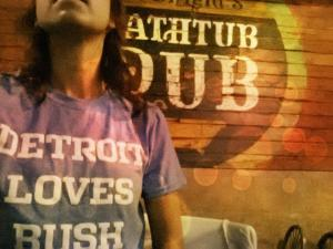 Reggie Bush Detroit Loves Bush Bathtub Pub Detroit Restaurant NFL Detroit Lions Tee Shirt Tshirt