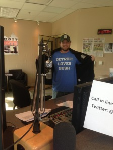 Ron Crichton Detroit Loves Bush Tee Shirt Tshirt Detroit Sports 105.1 NFL Footbal Reggie Bush